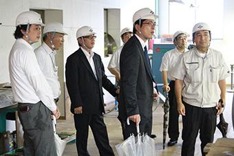 東亜林業工場見学